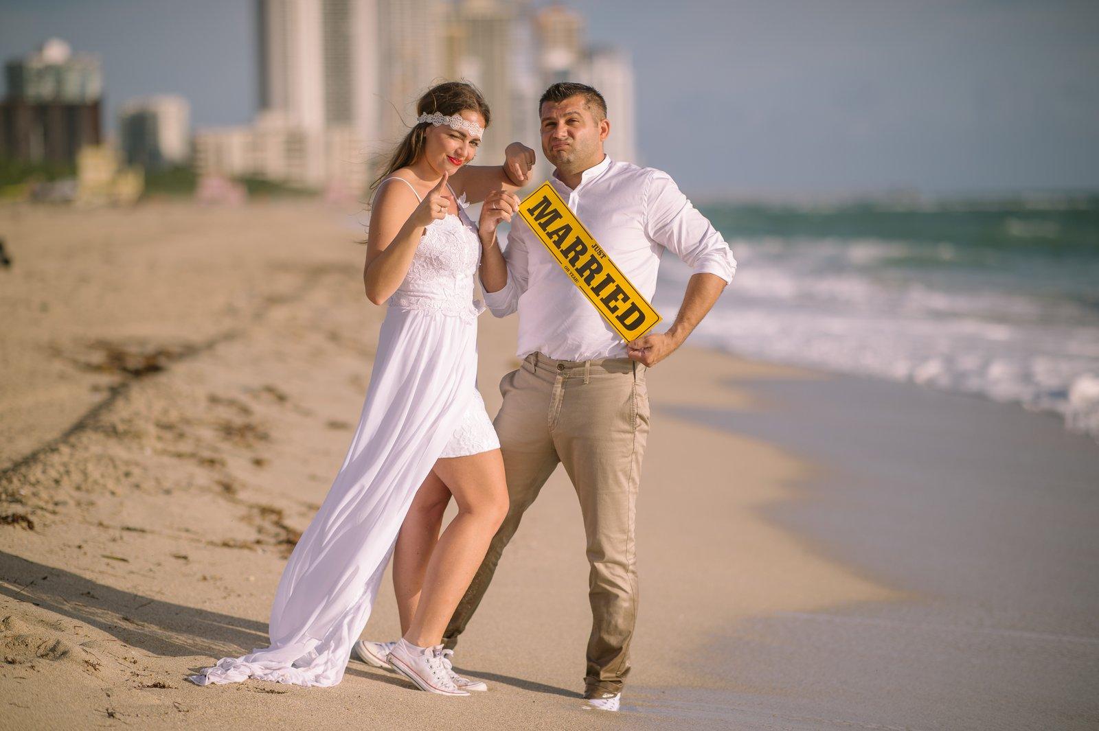 tengerparti eskuvo ruha tengerparti esküvői frizura, férfi tengerparti esküvői ruha, tengerparti esküvői képek, tengerparti esküvőre ruha