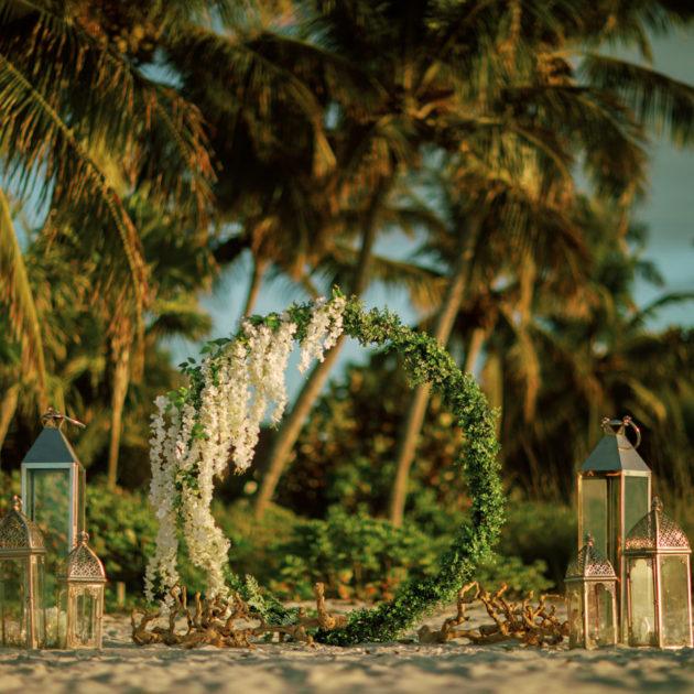 tengerparti esküvő dekoráció